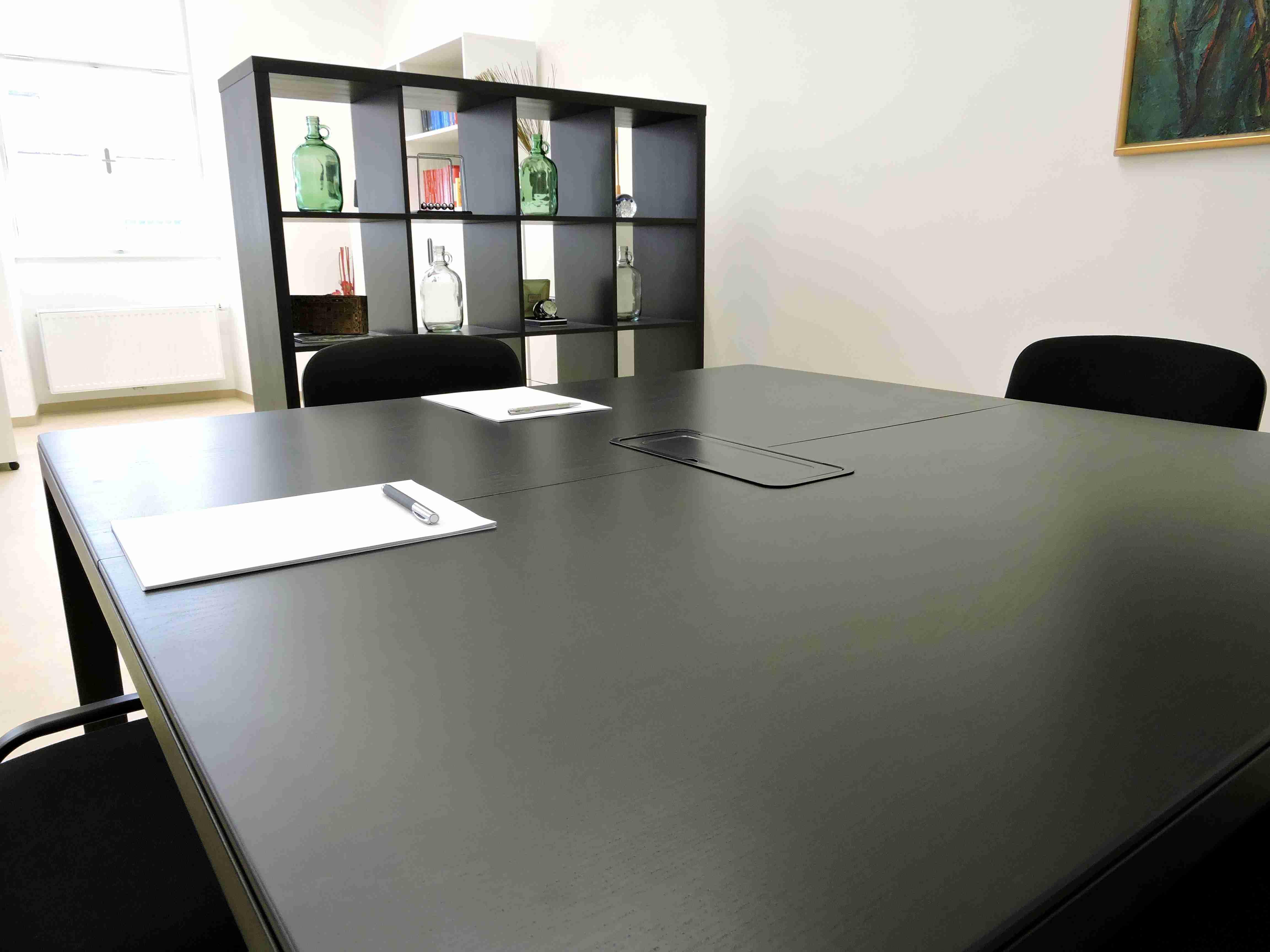 Tisch Dr. Anton Pirringer 2460 Bruck an der Leitha 2413 Berg Rechtsanwalt Anwalt